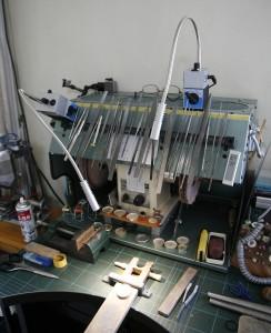 精密作業用のマグネット式作業用照明
