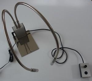 コントロールボックス分離型の顕微鏡照明