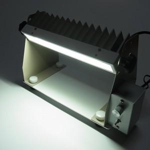 高出力のバー状LED手元照明